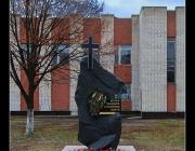 Пам\'ятник жертвам голодомору та політичних репресій