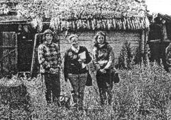 Члени експедиції у відселеному селі Калинівка Народицького р-ну.