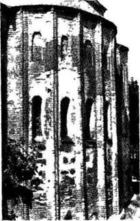 Рис. 131. Центральная апсида церкви Св. Василия после реставрации.