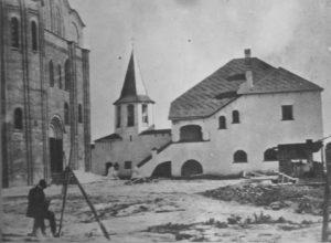 Храм та монастир перед завершенням реставраційних робіт.